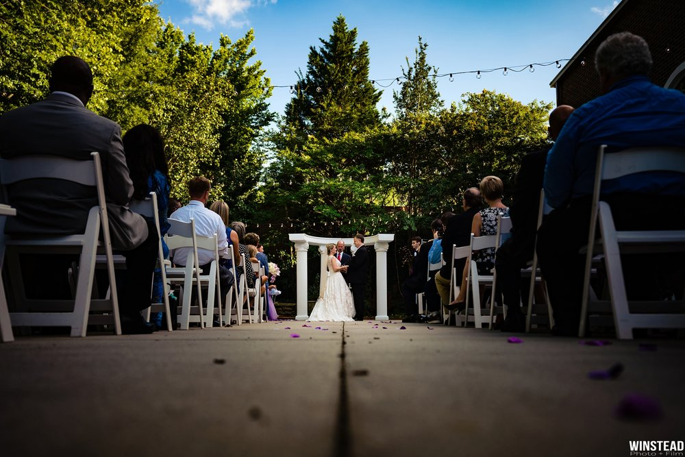 Raleigh-Wedding-Garden-on-Millbrook-Chad-Winstead_0011.jpg