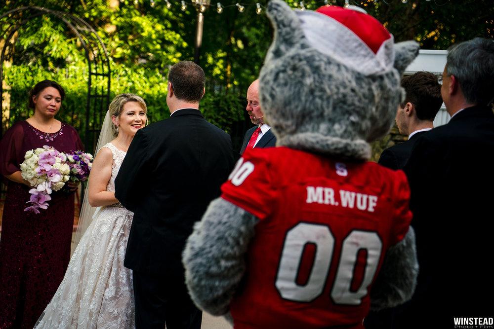 Raleigh-Wedding-Garden-on-Millbrook-Chad-Winstead_0012.jpg