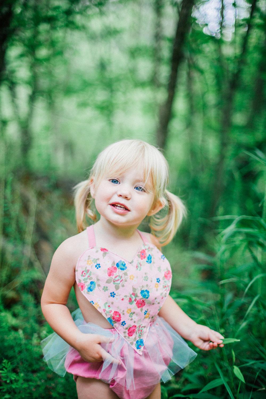 rope-mill-park-woodstock-family-photographer-angela-elliott-wingard-two-year-old-photoshoot-42.jpg