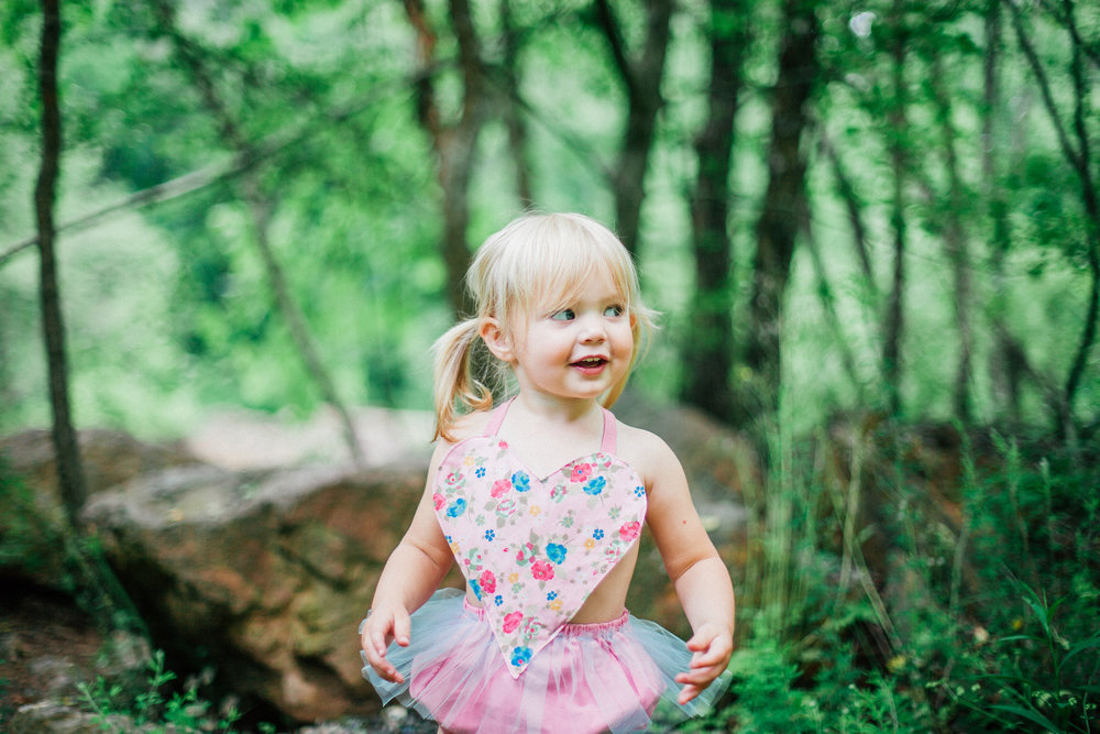 rope-mill-park-woodstock-family-photographer-angela-elliott-wingard-two-year-old-photoshoot-48.jpg