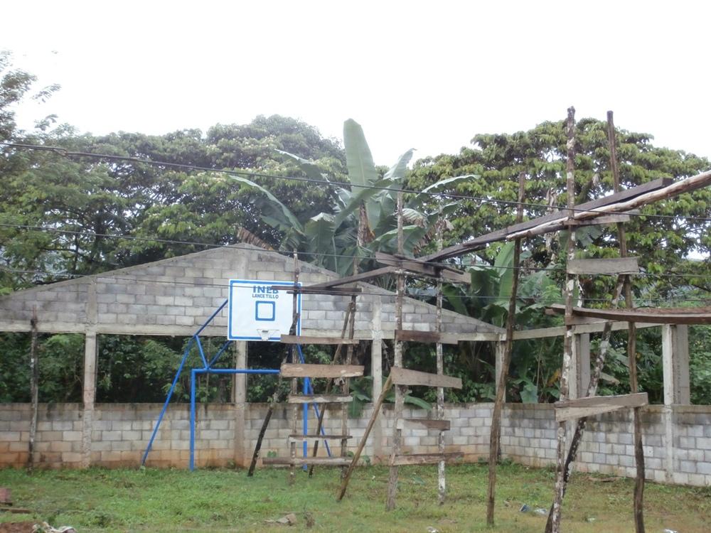 La Parroquia Basketball Court