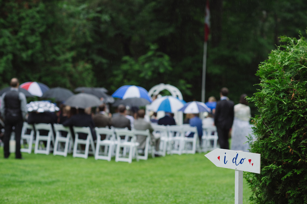 5 things you must consider when holding an outdoor wedding ceremony. Photo: Aron Goss Photography.