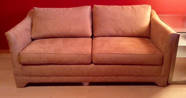 Un avant apr s d 39 un divan lit may rembourrage montr al for Coussins de divan