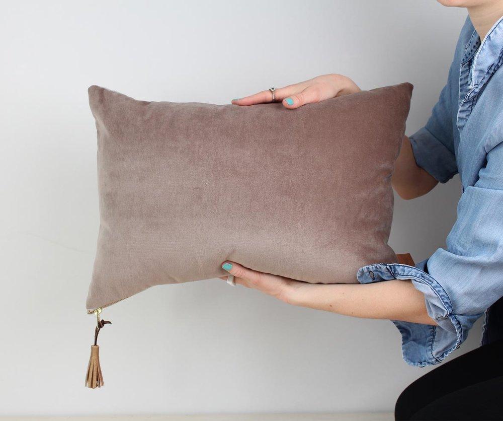 coussin night owl hibou fleece may rembourrage montr al. Black Bedroom Furniture Sets. Home Design Ideas