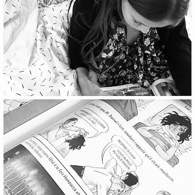 Mila plongée dans #annefrank illustré superbe livre! #bookstagram #livre