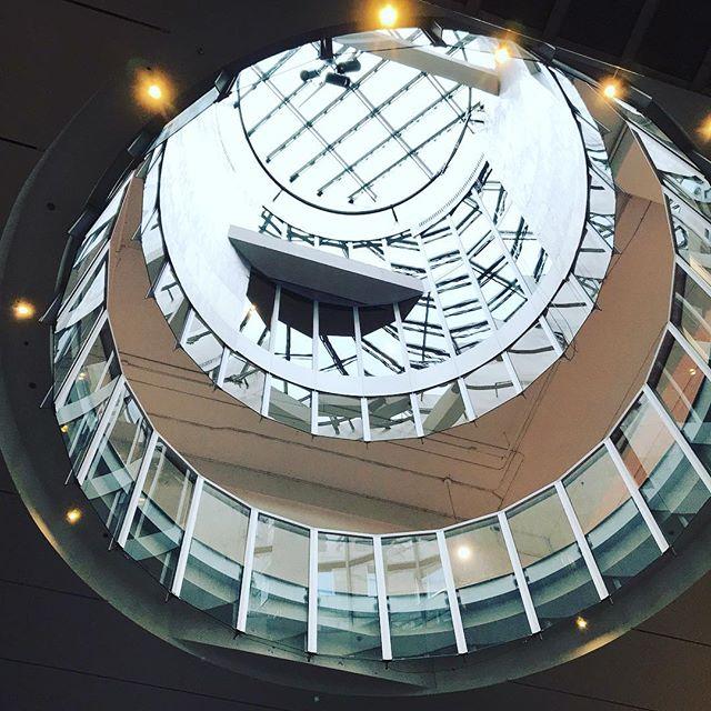 Bijou architectural au cœur de Montréal #hecmontreal #montreal