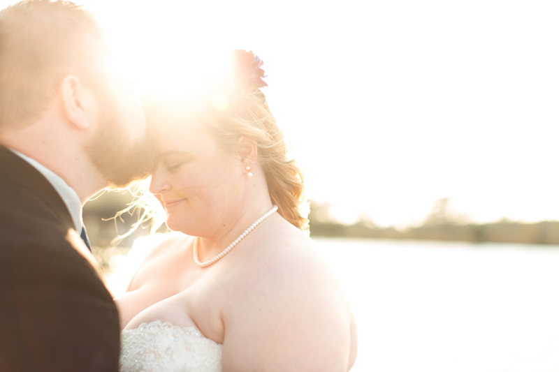 Outdoor Southern Wedding | bride and groom with sunlight