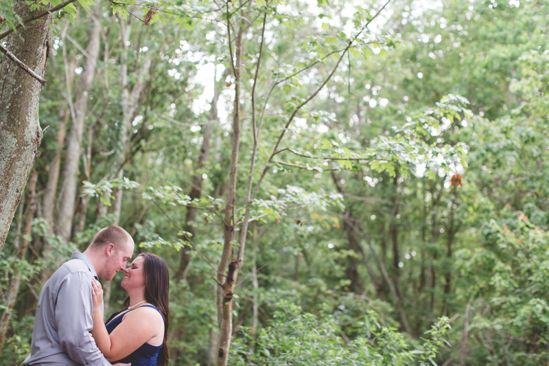 lakeland lake parker couple photo outdoors lake parker park engagement photos lakeland wedding photographer