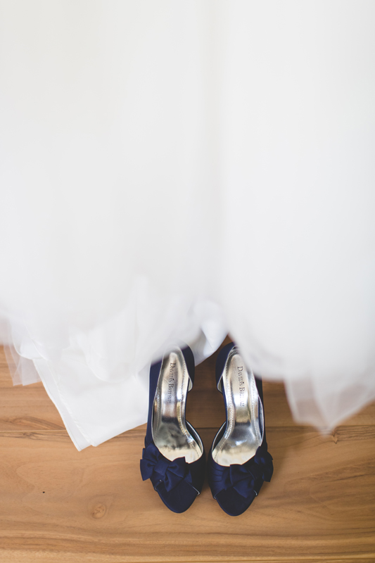 jaime diorio destination orlando wedding photographer bride shoes blue shoes photo