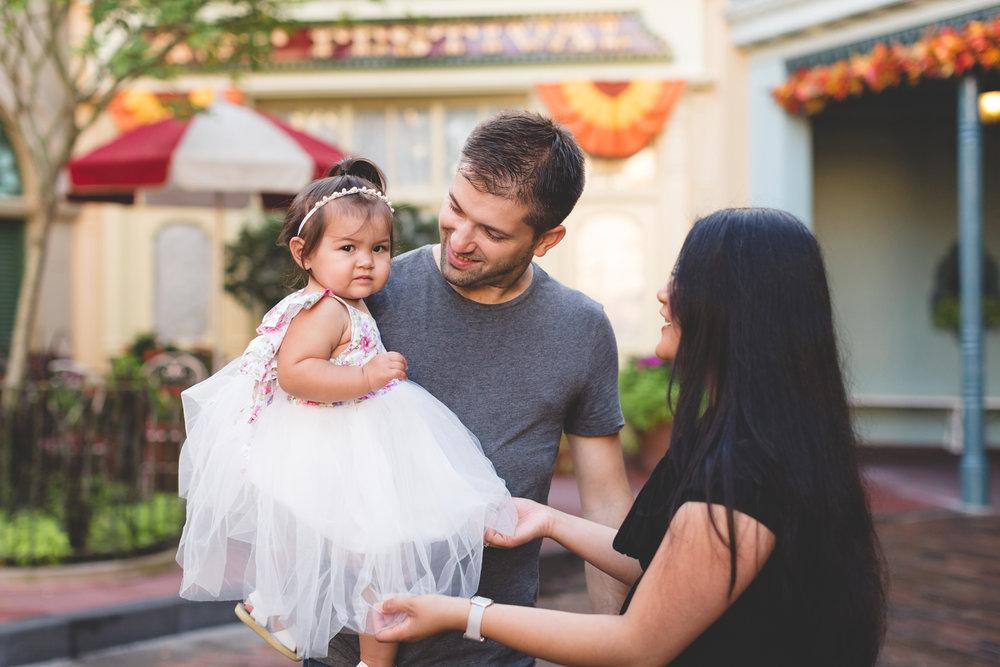 Jaime DiOrio - Disney Family Session - Orlando Family Photographer - Magic Kingdom Family Session - Documentary Photographer (11).jpg