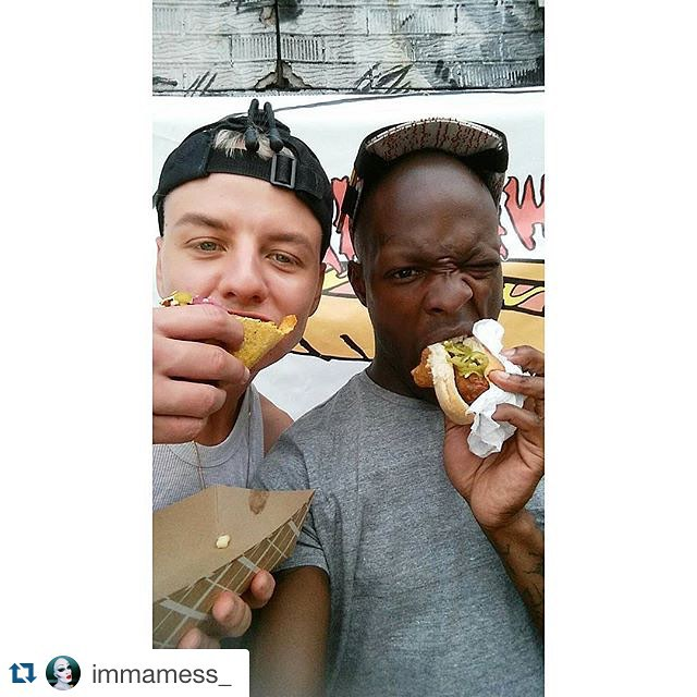 Special visitors from London @initbabes  @immamess_ with @repostapp. Thanks for a great day @veganshopup @pineboxrockshop  GOT ME EATIN VEGGIE MEAT... #brooklyn#dogs#playing#living#life#nyc