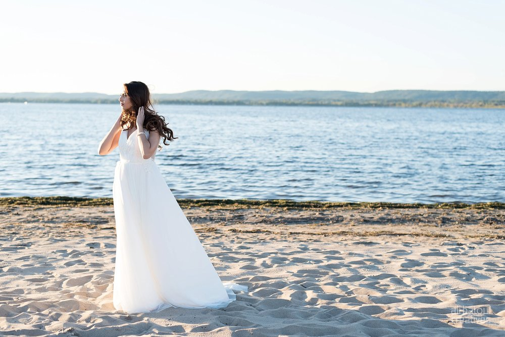 Alaa + Jad - Ottawa Beach Bridal Shoot (Ali Batoul Creatives)-113_Stomped.jpg