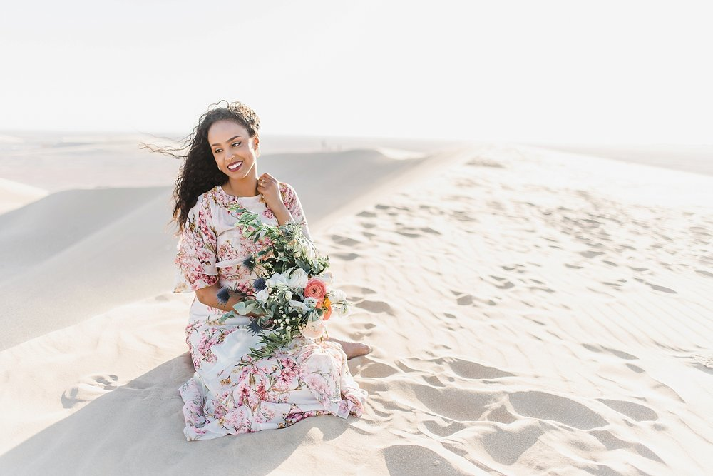 Singing Sand Dunes Desert Love Shoot | Ali and Batoul Photography_0026.jpg