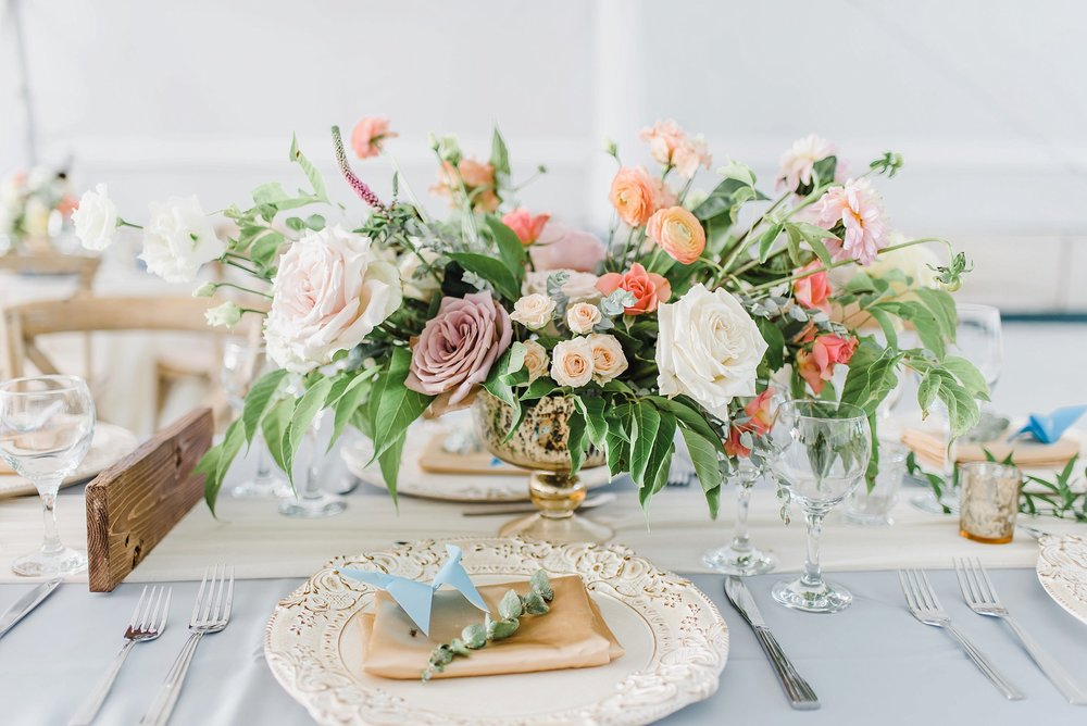 I cannot get over every single one of these garden-inspired, organic floral arrangements that brought such a high-end chic aesthetic to the festivities.