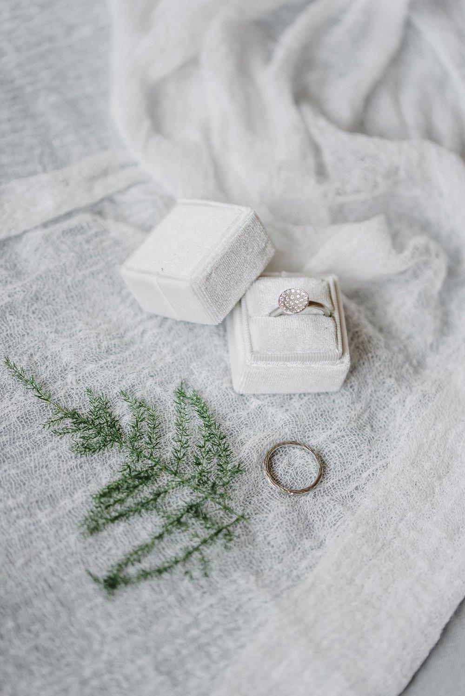light airy indie fine art ottawa wedding photographer | Ali and Batoul Photography_0612.jpg