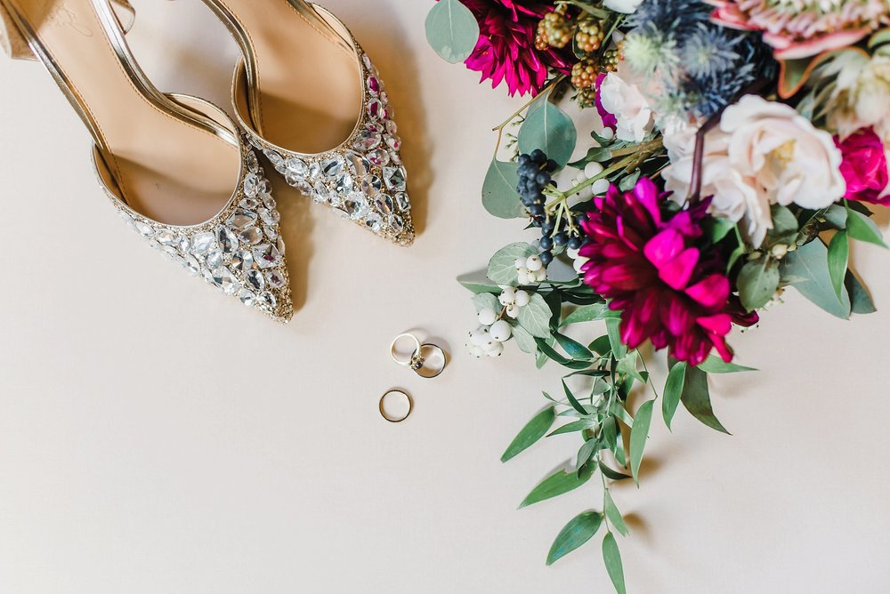 When travellers + foodies + super stylish people come together, you get a Chateau Laurier + Andaz morning, a Sussex Contemporary ceremony and a Restaurant E18hteen night!   Laura and Chris's wedding can be seen here.