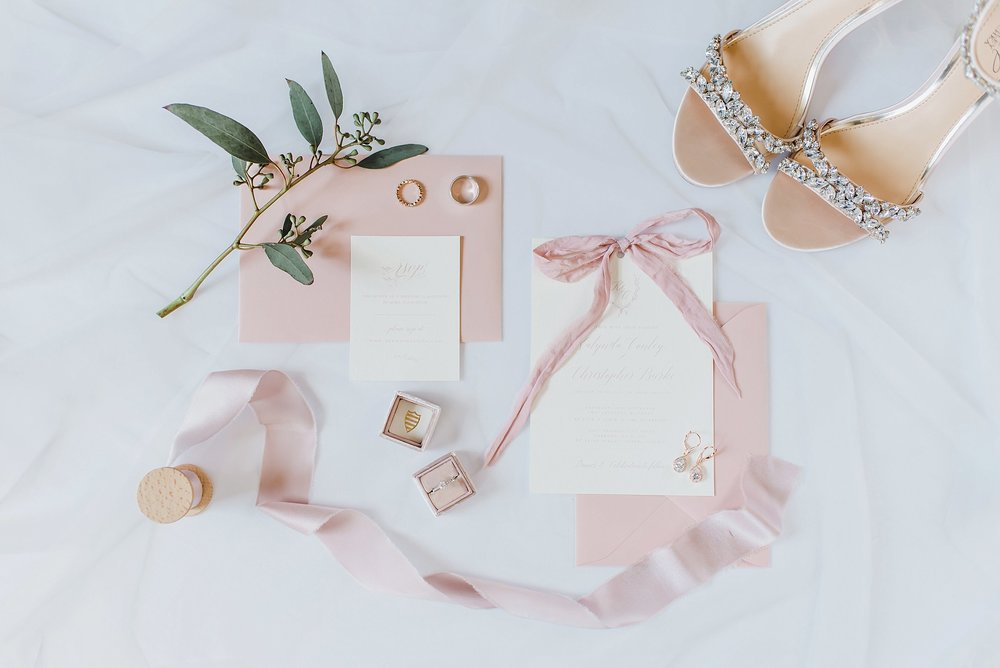 Kaylea and Chris's wedding at the Best Western in Perth was all glitz and glamour and beautifully executed by Marianne of Heirloom Events.  You can see the full feature of their  glamorous Perth wedding here.