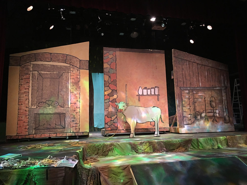 Into the Woods at Lincoln High School.  Scenic Design: Kyra Bishop.  Technical Director: Nathaniel Patterson