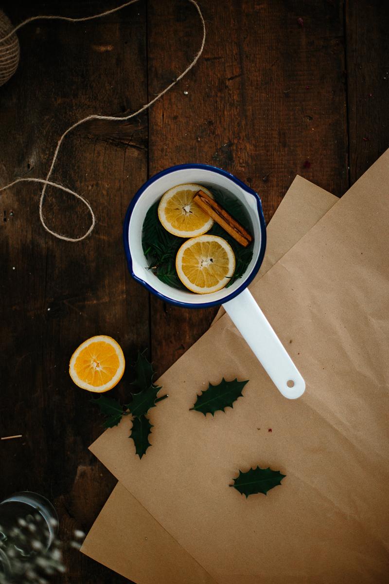 How to make your house smell like Christmas