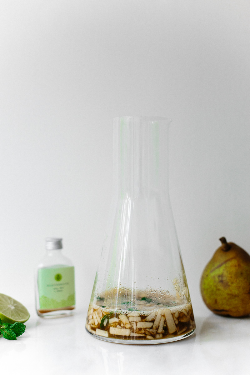 Superfood Autumn Pear + Cinnamon Cocktail | Freckle and Wulff