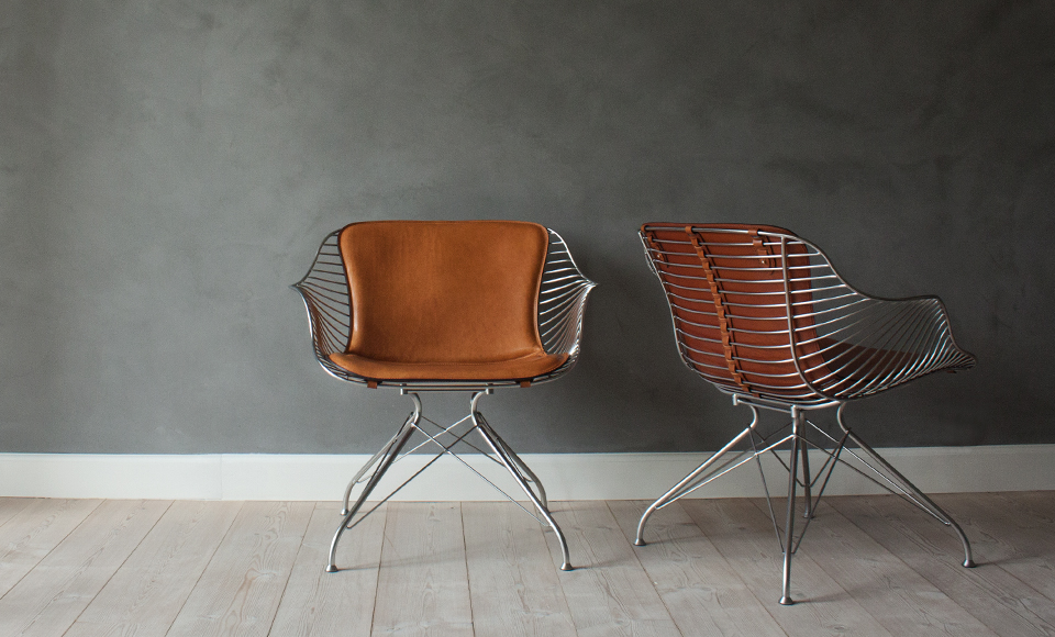 OvergaardAndDyrman_Wire_Bar_Stool_Yellowstone_Whiskey_Leather_Semi_Satin_Chrome_Steel2_FAIR.jpg