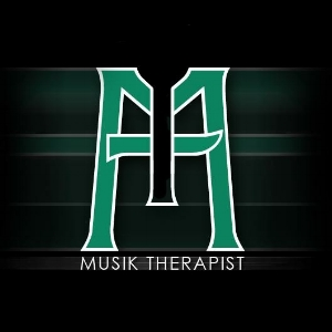 Name:  Musik Therapist   Twitter:  @  TherapistMusik   Beats:   http://www.soundcloud.com/musik-therapist