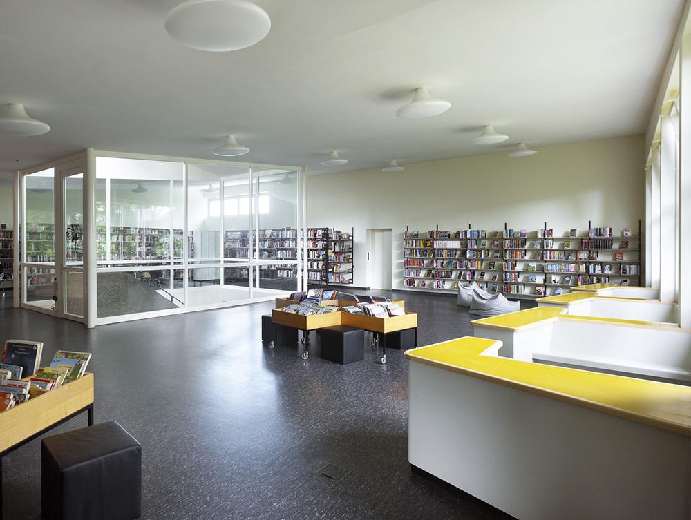 6_Bibliothek.jpg