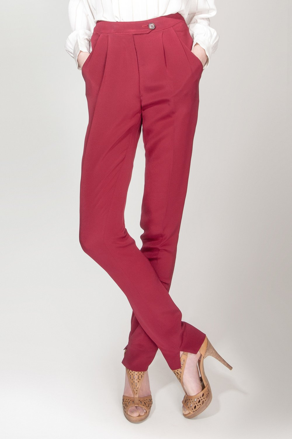 Pleated Slim Trouser