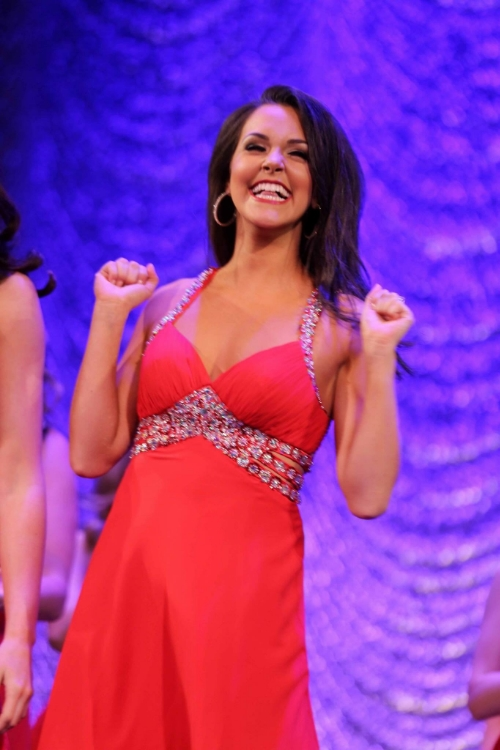 Miss Manhattan, Mackenzie Perpich hearing her name called for Top 10