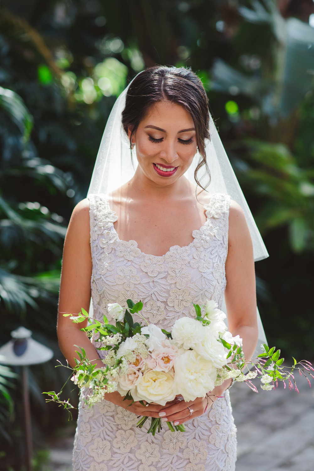 simple-bridal-bouquet