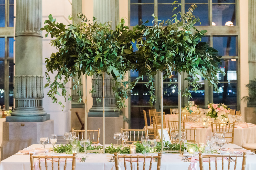 greenery-centerpieces-wedding