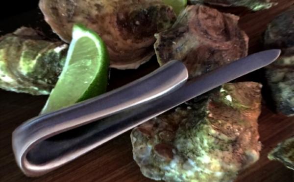 KNF101 NacreOysterKnife01.jpg