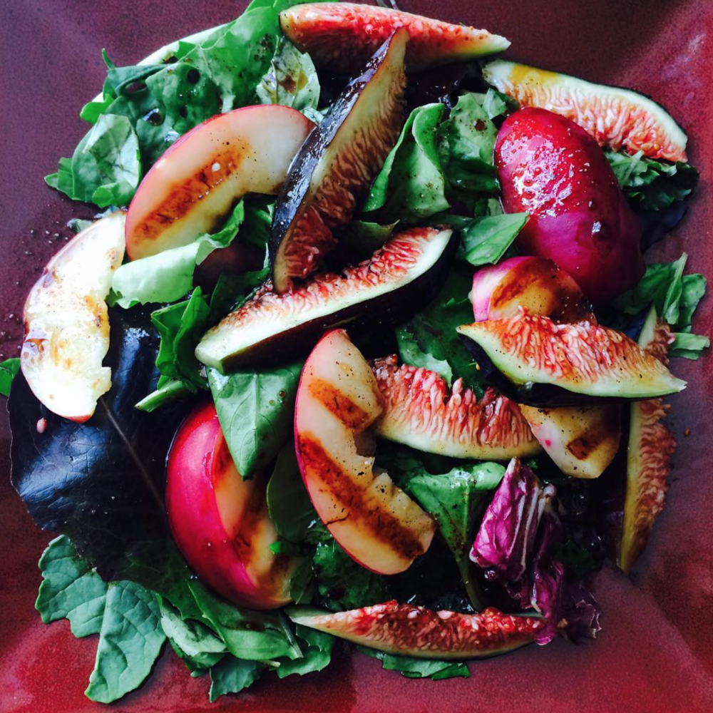 Grilled nectarine and fig salad with balsamic