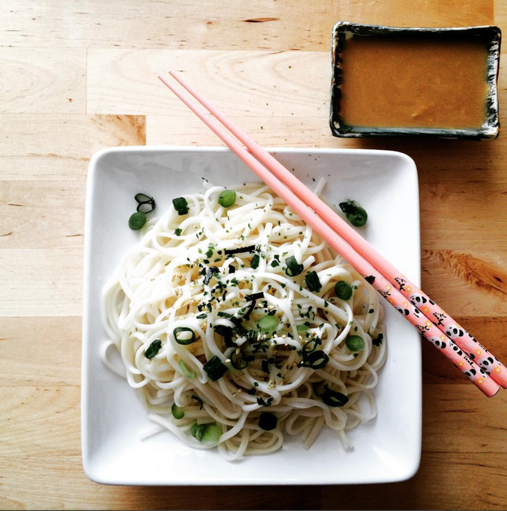 Udon noodles with sesame dipping sauce