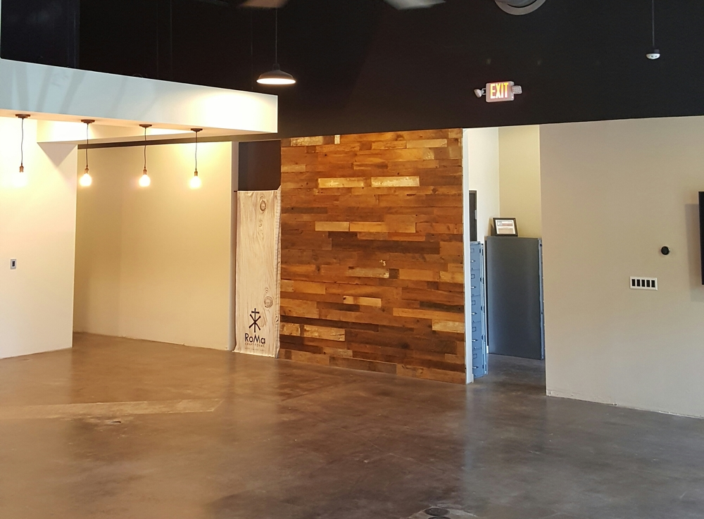 Reclaimed Wood Accent Wall in Austin, TX. - Starchaser Woodworks Residential Interior Design