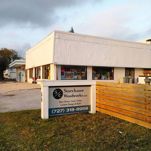 Sign is up out front. Let's get it. #starchaserwoodworks #interiordesign #srq #sarasota #bradenton #tampa #tampabay #stpetersburg #stpetersburgfl #dtsp #florida #woodworking #barndoor #reclaimedwood #accentwall #artist #handmade #realestate #shabbychic #white #local #rusticdecor #rustic #oldwood #recycledwood #woodart #remodel #homeimprovement #interior123