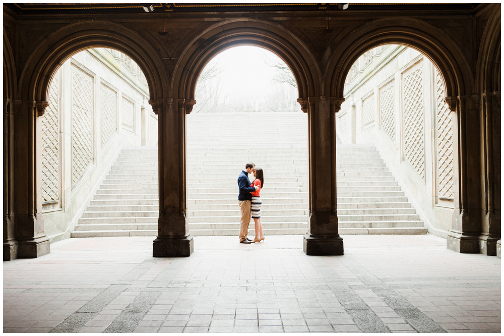 05-Central-Park-Bethesda-Terrace-Engagement-Session-Allison-Sullivan.jpg