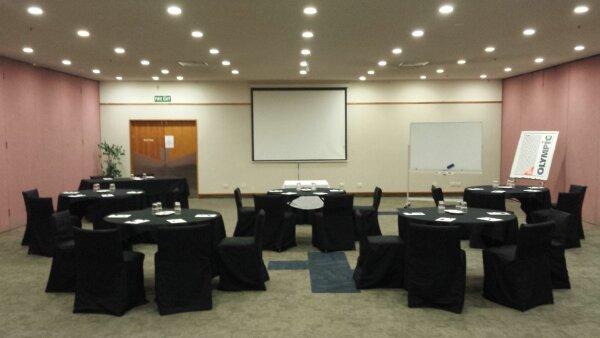 Conference cabaret 2.jpg