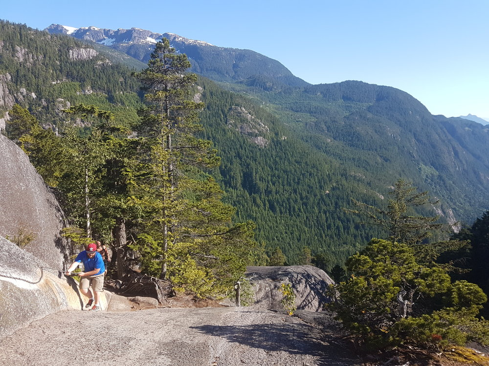 We offer epic hiking tours all over the Lower Mainland & British Columbia