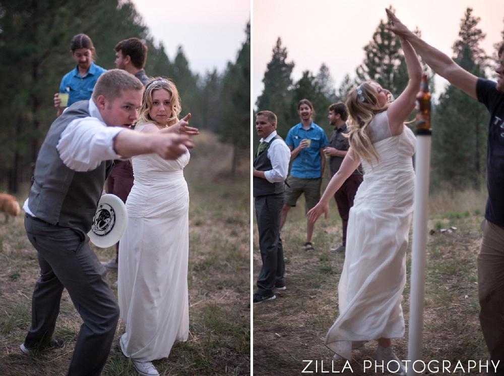 Wedding-Couple-Frisbee-Games
