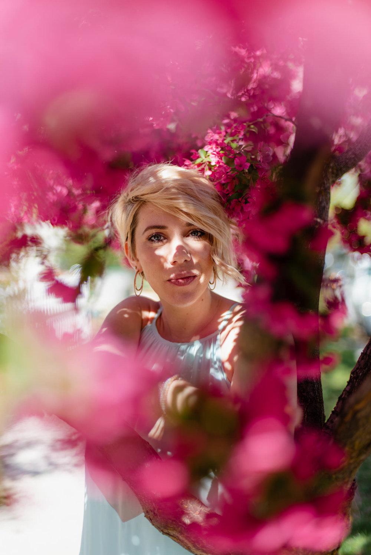 Zilla Photography - Spring Florals Neighborhood Adventure SM-30.jpg