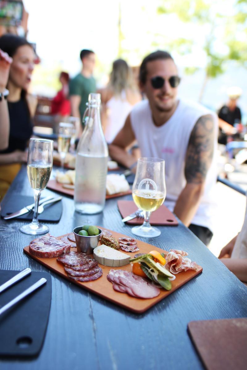 1.Restaurant.jpg