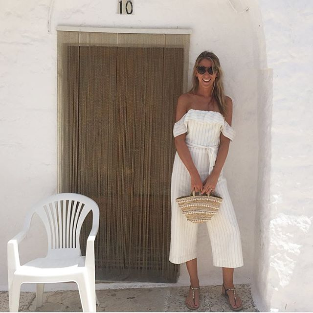 Puglia summer memories🌻wearing our pompon mini basket- back in stock soon🌸