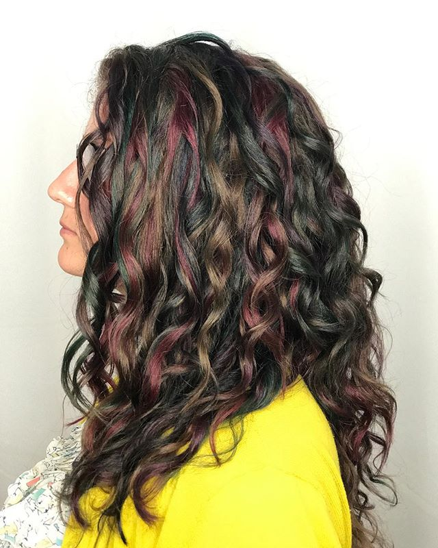 What a treat this was!  She let me do multicolored jewel tones all over her virgin hair!  Paired with her new haircut she is ready to rock her style for the fall 😍 ......... #elumen  #curlyhair  #rainbows #unicorns  #culvercity #jewels