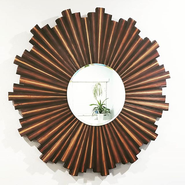 DIY Sunburst mirror I made using nearly 300 shims and lots of gorilla glue. 🦍🔨 #DIY #shims #mirror #decor #gorillaglue #wood #stain  #artist #entryway
