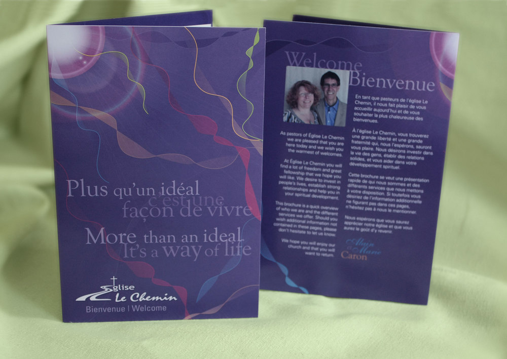 Eglise Le Chemin is a bilingual church in Gatineau, Quebec. They needed a bilingual welcome kit and this was our solution.