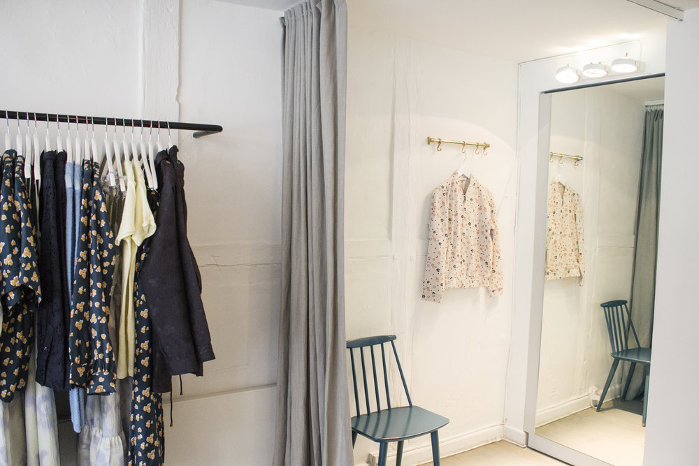lovechild-flashipstore-fittingroom3.jpg