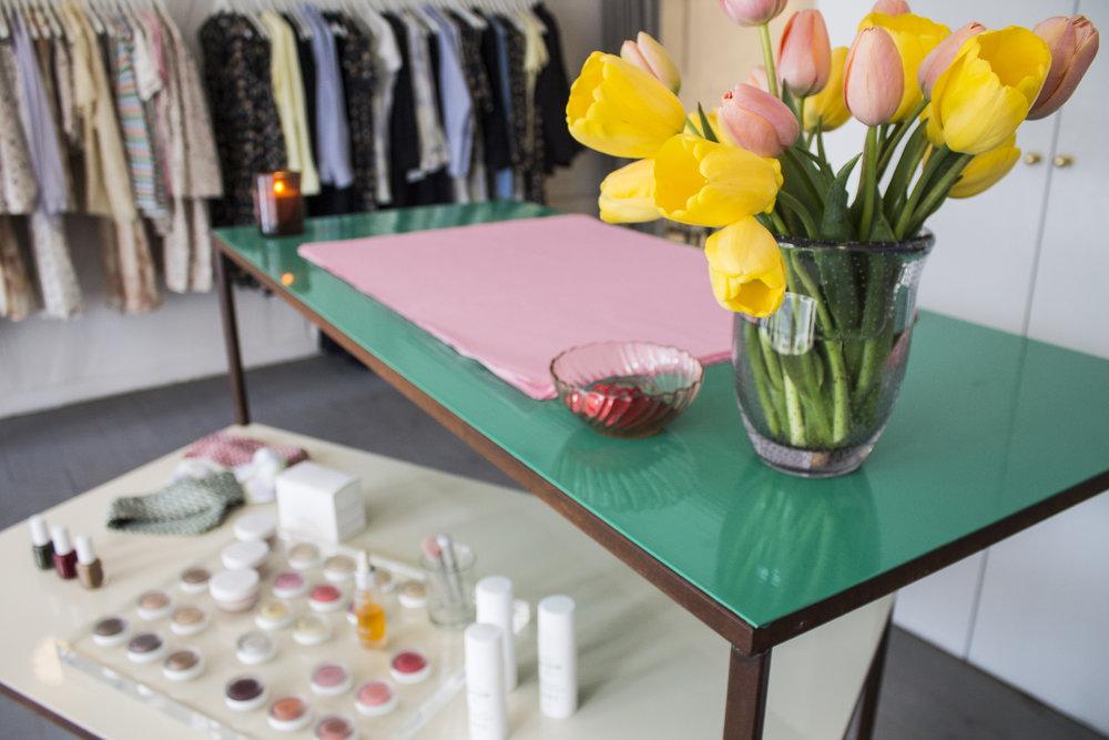 lovechild-flahshipstore-desk-details.jpg
