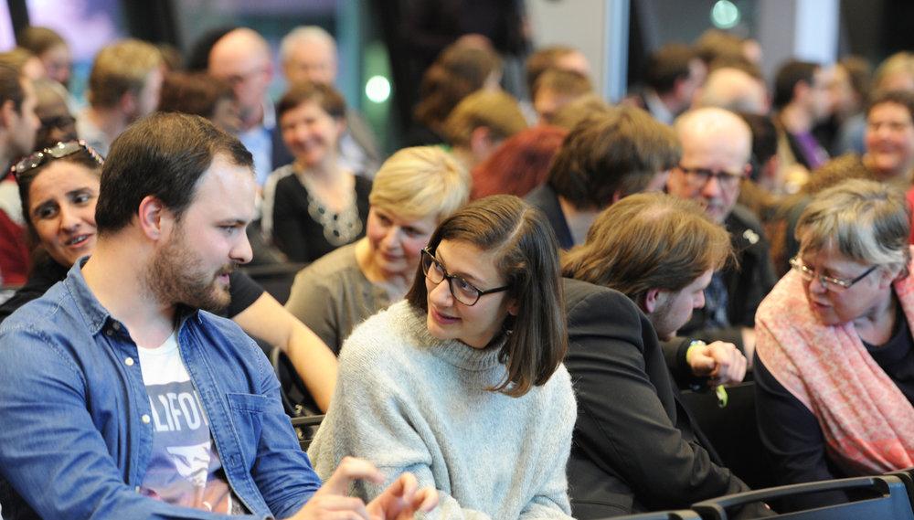 """Publikum im Dialog  – """"Ich stärke Stuttgart, weil …"""""""