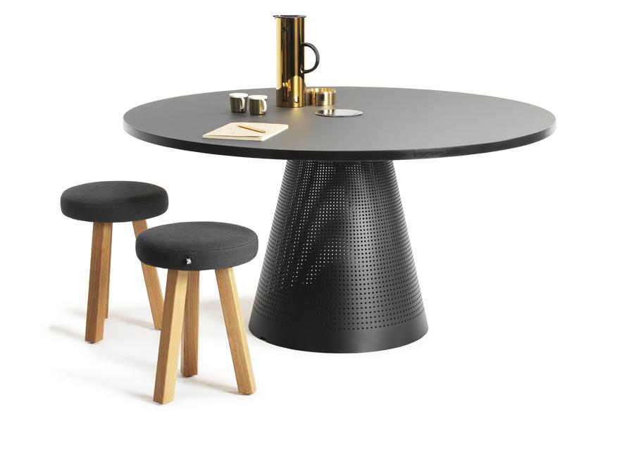 Horreds Tin-pöytä & VX-tuolit
